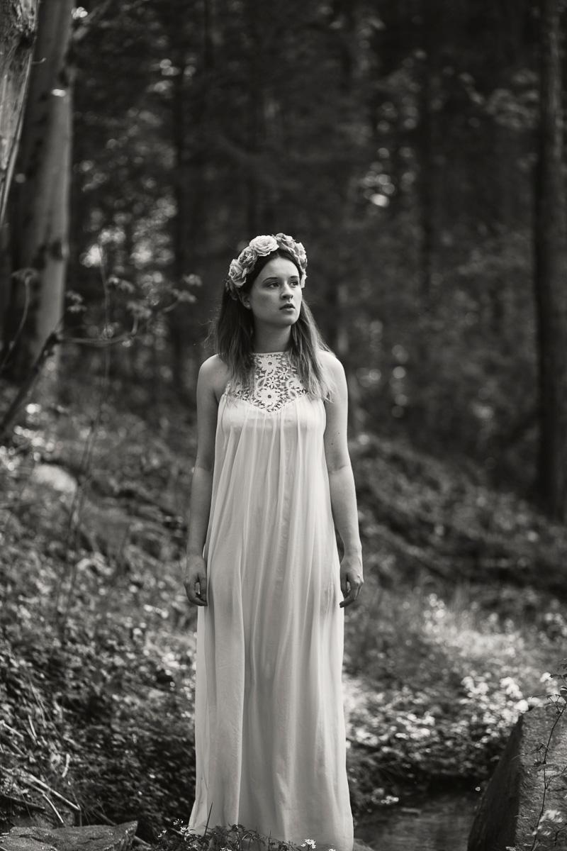 Lena im Wald (10)
