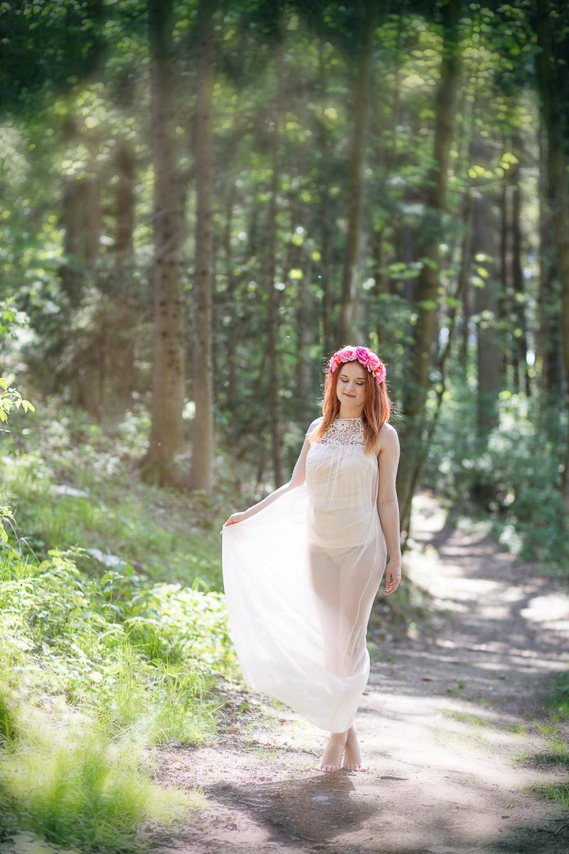 Lena im Wald (3)